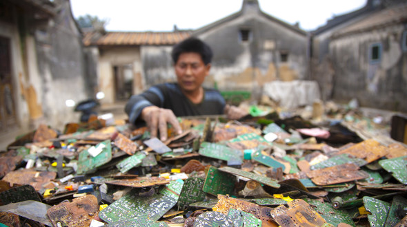 China - Guiyu - Electronic E-Waste recycling